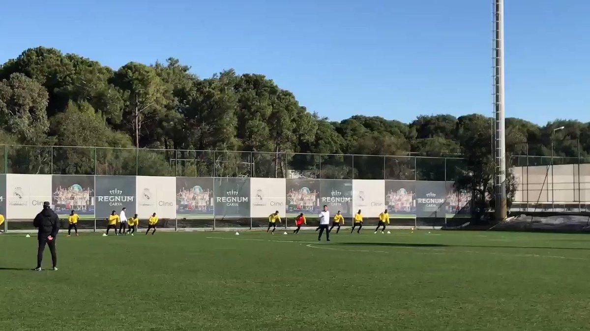 RT @BSC_YB: Wir lieben es alle, das Laufspiel Fussball... #bscyb https://t.co/8vvgYjAnL6