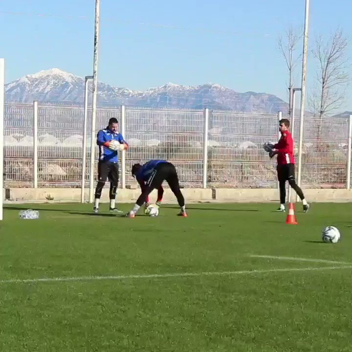 Goalkeepers at work 👐   #HopSion #FCSion #Belek2019 https://t.co/0nc6OyXJNf