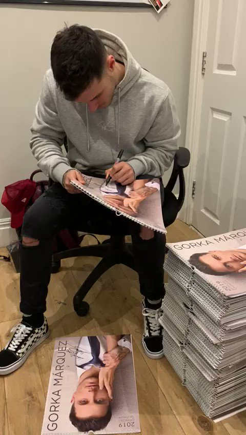 .@gorkamarquez1 left alone with pen = trouble 🙈 plus limited signed calendars for you - grab one here now bit.ly/2FE6d17 #hunted #autograph