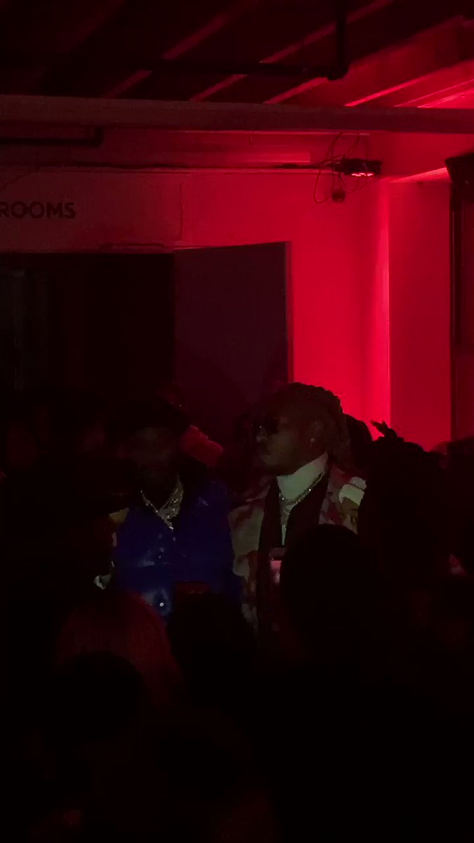@MeekMill pulled up to bump #TheWIZRD with @1future 🙏🏿  https://t.co/yrelBBRbnH