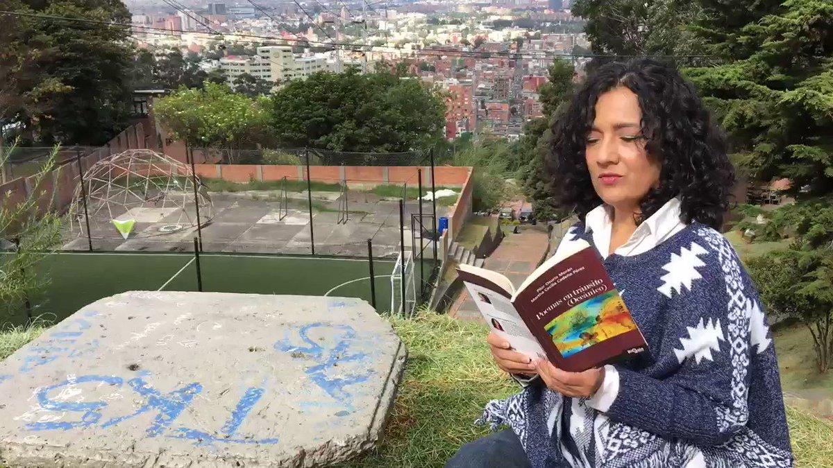 Leyendo poesía para espantar la muerte #poemasentránsito #Poetica #poesia #poemas #poetrycommunity #poetrylovers #poetry #NoALaViolencia #Bogotá #Colombia