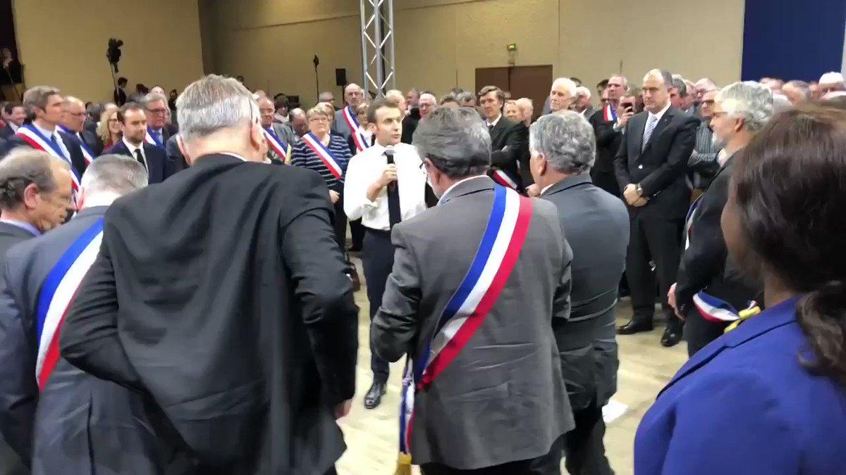 Mot de fin du Président @EmmanuelMacron aux Maires d'Occitanie, mais le débat ne fait que commencer ! Pour y prendre part : http://granddebat.fr