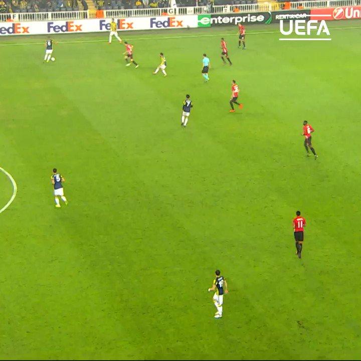 🤩 Today's #GoalOfTheDay: @19Sow with a beauty of an overhead kick...  #BizFenerbahceyiz   @Fenerbahce_EN