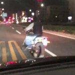 煽り運転に天罰?後続車にしつこくちょっかいをかけ続けたバイクの末路