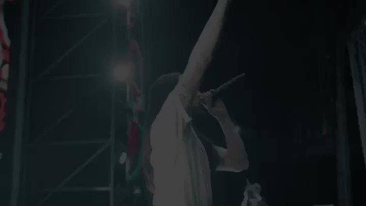 Hearing 20,000 Chinese fans screaming to @layzhang dancing to #Shakalaka was a moment!! Shei Shei China!!! https://t.co/cMw4JYWPFu