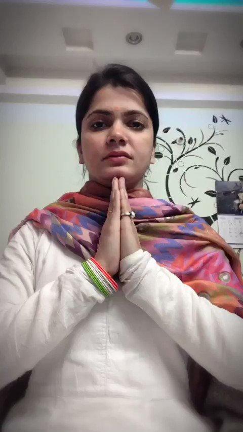 मैं मेरे स्वर्गीय दादा जी और देश के शहीदों को मेरा सत् सत् नमन् करती हुँ। वन्दे मातरम् । 🇮🇳🙏🏻 #RepublicDay2019   @BJP4India  #गणतंत्रदिवस   #RepublicDayIndia 