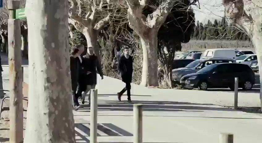 Hoy un grupo de fascistas le ha partido la cara a un compañero de @CiudadanosCs en Girona. Vean el odio y la violencia del nacionalismo en Cataluña. Estas actitudes están amparadas y alentadas por Torra. ¿Qué más tiene que pasar para que Sánchez rectifique y actúe? #NoNosCallarán