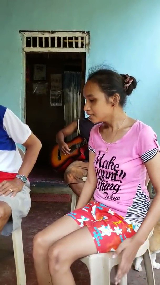 Her name is Elsie. She is totally blind. She has never been to school, never learned English. She lives in a small fishing village in the Philippines. Listen to her sing I will always love you by Whitney Houston.   AMAZING   Retweet ❤️