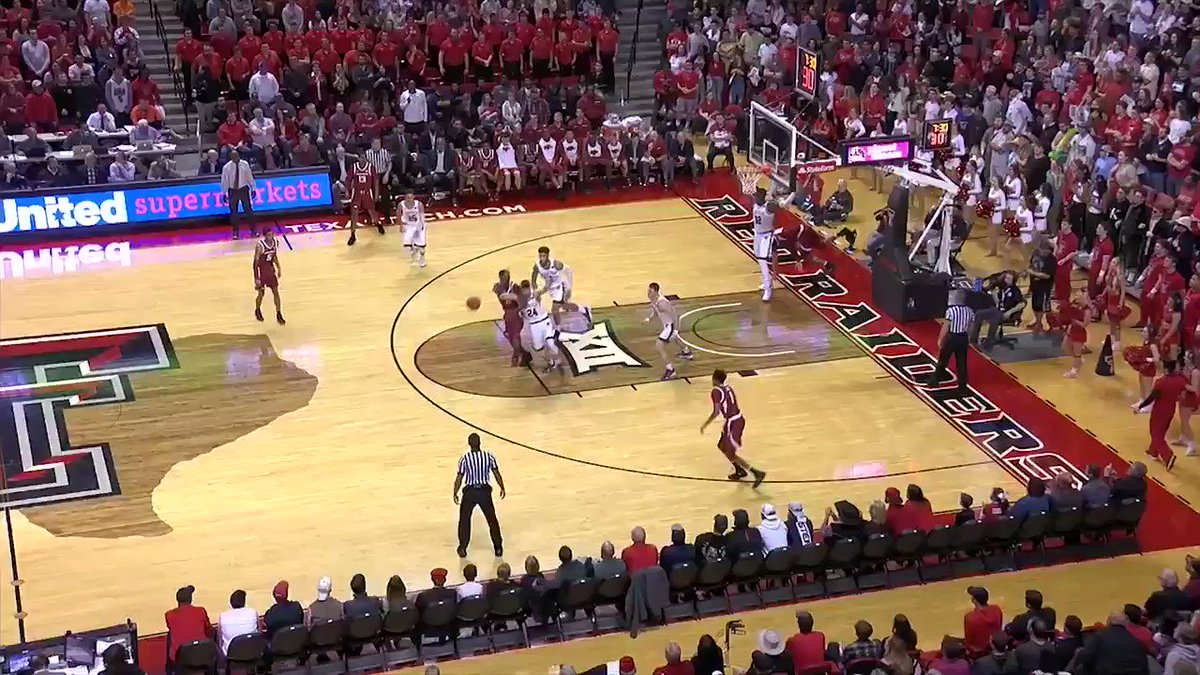 Lay out and make the play.  #4To1  🔴#WreckEm⚫️