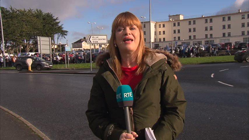 Reporting from picket line at University Hospital Limerick @rtenews @RTENewsNow #nurses #strike #Limerick @JimmyNorman