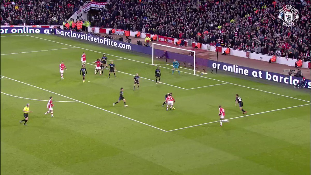 On this day, in 2010: A clinical counter-attacking goal from Wayne Rooney, set up by Nani, helps Manchester United to a 3-1 win against Arsenal.  [🎥: MUTV]