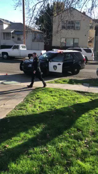 Filmmaker and Marine Corps veteran Adrian Burrell says Vallejo police Officer David McLaughlin assaulted him just for filming McLaughlin from his front porch. More on Bay City News wire and Burrell's Facebook: https://www.facebook.com/Adrian90313/videos/1531814190296933/…