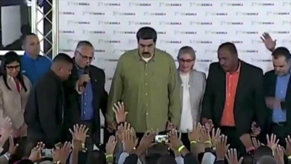 Un rezo por Nicolás Maduro en favor de la patria y otro rezo para López Obrador  en favor de la patria, para que ambos tengan sabiduría en la conducción del pueblo.