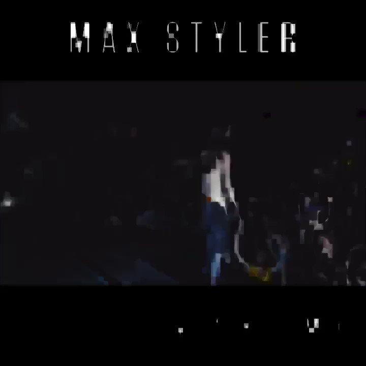 U guys feeling my drop on this banger track! @maxstylermusic @dimmak https://t.co/GqiX0L87Fi
