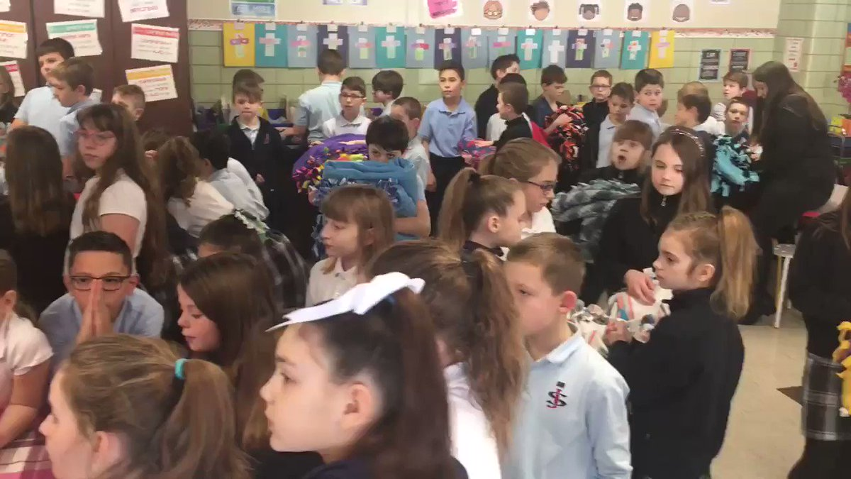 Image for the Tweet beginning: 4th grade students made blankets