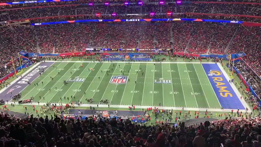 RT @Moyetonni: #SuperBowl #HalftimeShow  en 30 seg. #LaLeyDelMásFuerte https://t.co/sM3jC7nCX1