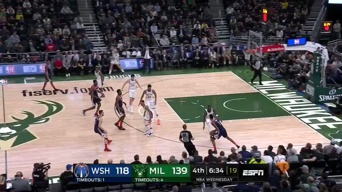 .@Giannis_An34 came in hot ������ https://t.co/QQcqRdW6jy