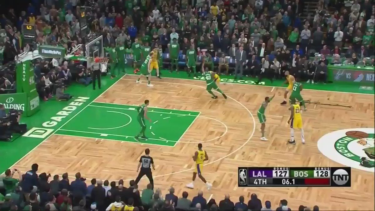 "Rajon Rondo's game-winner remixed with Chris Webber's famous ""RONDOOOOO"" call from 2009"