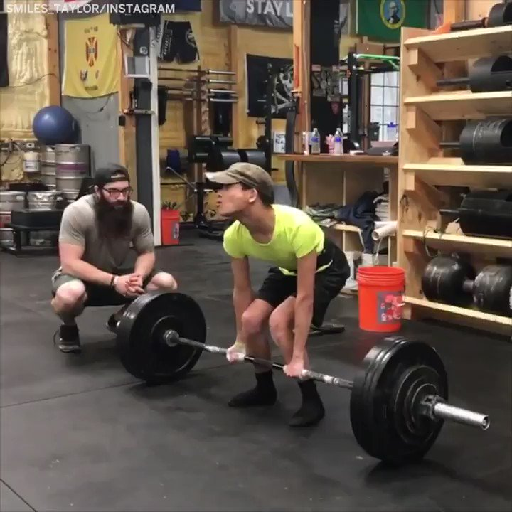 This athlete with cerebral palsy just deadlifted 200 pounds ... and he only weighs 99 💪