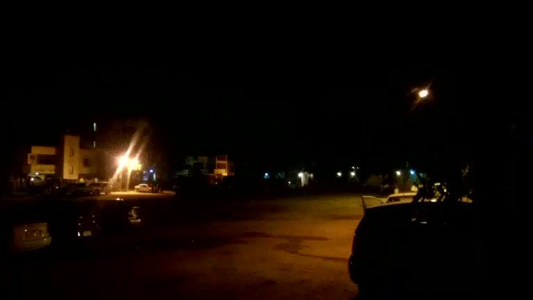 ظابطين ساعتنا عليكم الساعة ثورة ونص.. مظاهرات ليلية في منطقة الطائف مربع ٥٣ بالعاصمة السودانية الخرطوم. دامت العادة وزادت السعادة #مدن_السودان_تنتفض