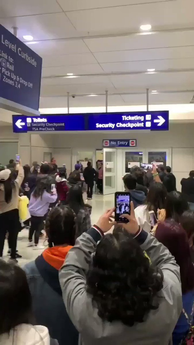 luvies singing happy birthday to seulgi at dallas airport~ https://t.co/umYbB583tK