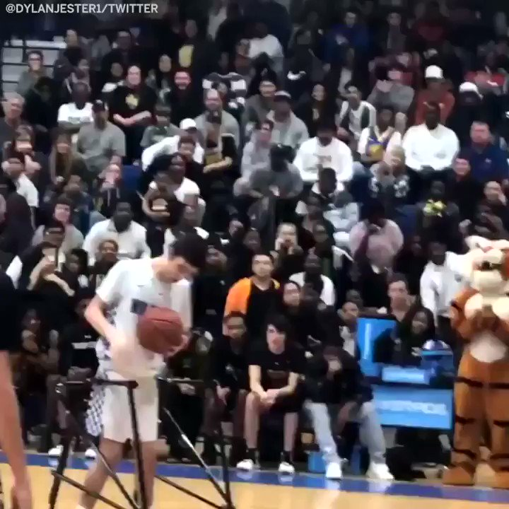 He hit the free throw ... and nailed the celebration �� (via @DylanJester1) https://t.co/tX21n6bUHD