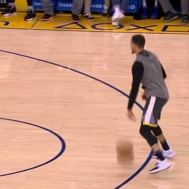 #StephenCurry (28.7 PPG) prepares at Oracle.  @warriors x @MiamiHEAT coming up on @NBATV (8:30pm/et)! https://t.co/gqMc7B7O09