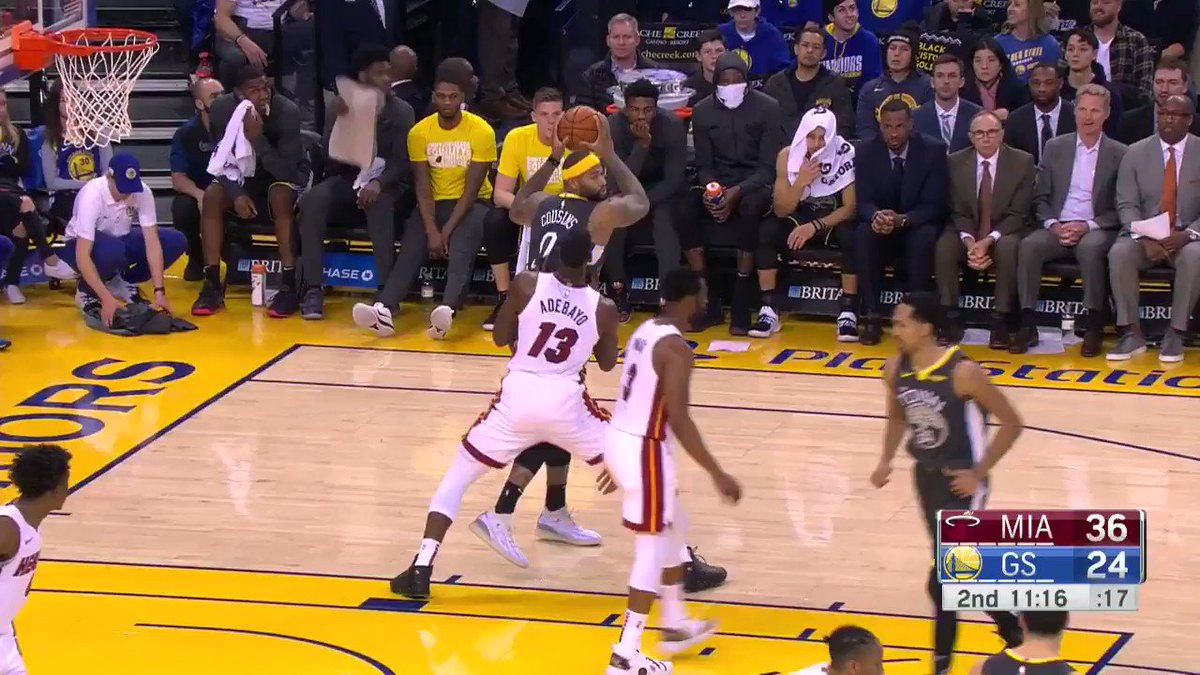 Boogie...  with the left!  @warriors have it within single digits on @NBATV. https://t.co/vse1Q5eWnt