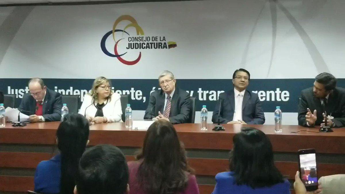 El Universo's photo on Audiencias Públicas