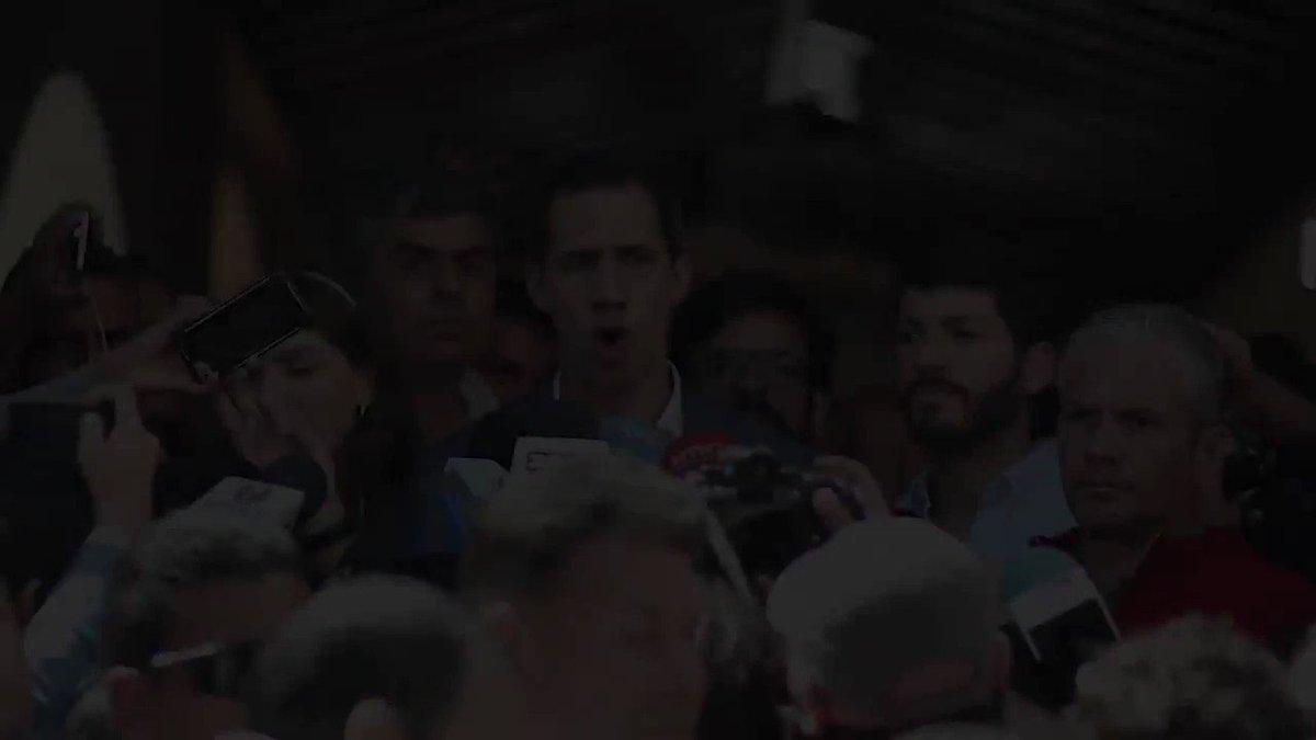 Juan Guaidó's photo on Más de 100