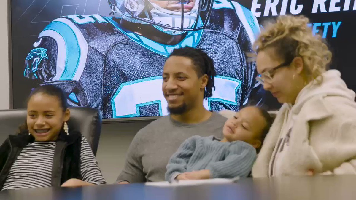 .@E_Reid35 and his family celebrating his contract �� https://t.co/7OPy7rIlrk