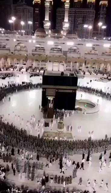 Saudi MBS in Mecca with over 600 guards protecting him around the Kaaba