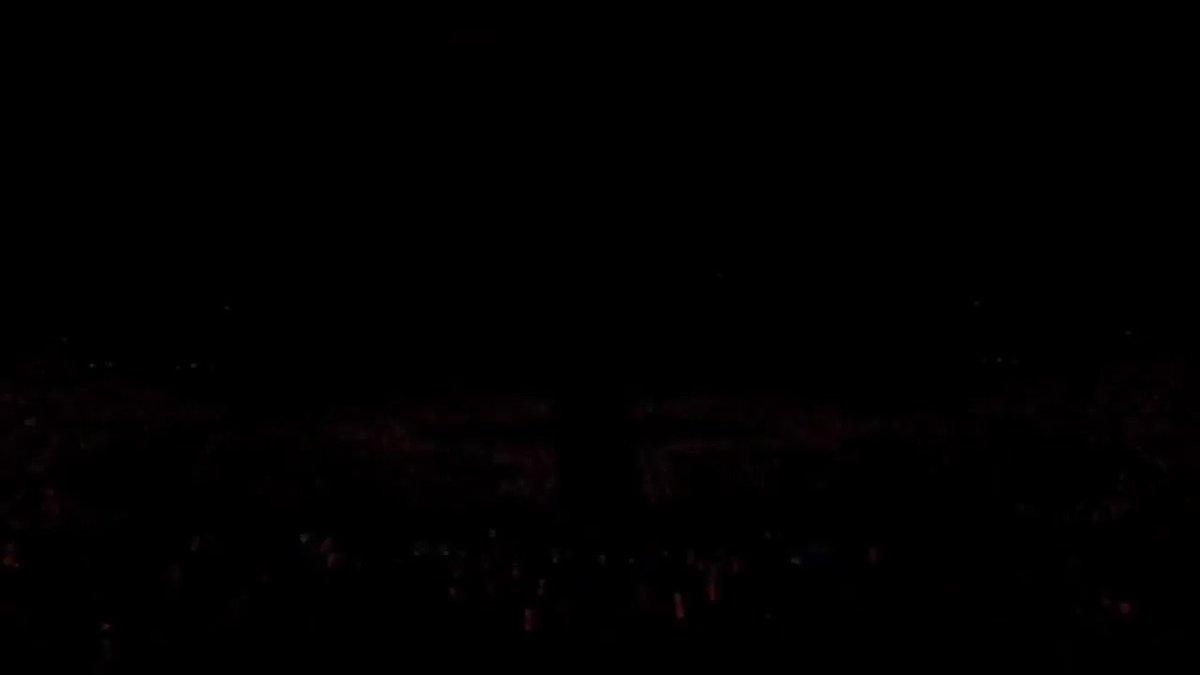 """⚡️B-DAY / iKON  """"NEW KIDS:BEGIN""""収録曲。 自分たちをミツバチに比喩させた歌詞に注目。 タイトルは""""Birthday""""の略語であり、ミツバチの誕生日を意味している。 スピーディーで強烈なビートが特徴のHIPHOP。 ライブで盛り上がる1曲。  #iKON #아이콘 #BDAY"""