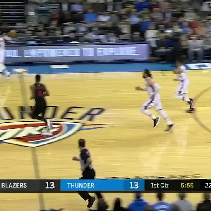 Paul George is feeling it ��  25 pts on 8-11 FG at the half. https://t.co/ubnYl72dHa