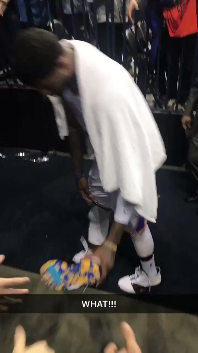 @Yg_Trece was kind enough to give his historic shoes to my son so my night was phenomenal