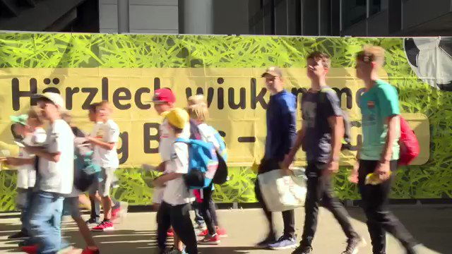 Kennst Du unseren Famigros-Corner schon? Besuche das nächste YB-Heimspiel im grössten und attraktivsten Familiensektor der Schweiz. Im Famigros-Corner ist immer Kids Day 🐻👨👩👧👦💛🖤  https://www.bscyb.ch/family-tickets  #BSCYB