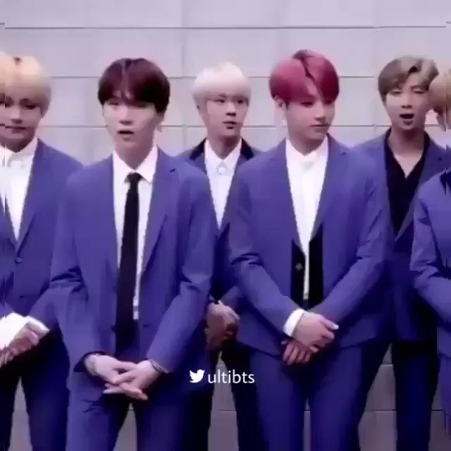 I discovered that somehow Yoongi always manages to be in perfect sync with BTS