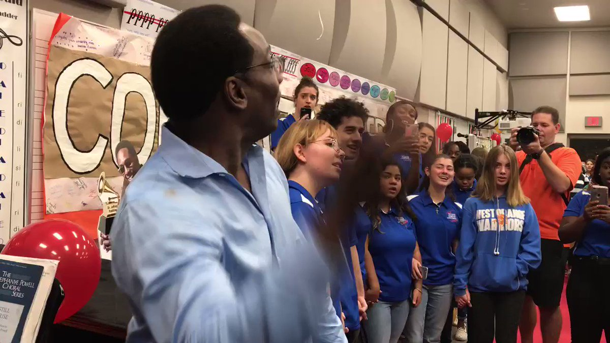 Choir students welcomed #GRAMMY winner Dr. Jeffery Redding back to West Orange High School this morning with a song about unity, one of the main themes he tells me he teaches. @WESH @WestOrange_OCPS @OCPSnews @RecordingAcad @GRAMMYMuseum