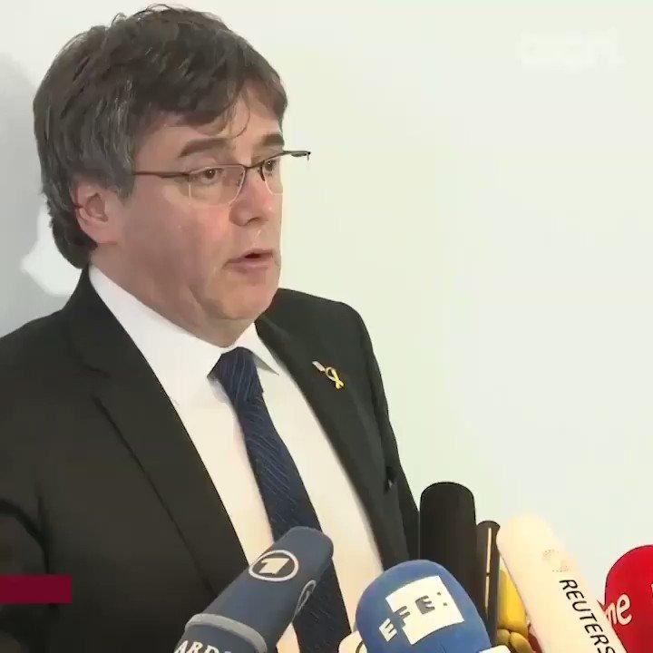 Carles Puigdemont's photo on #JoAcuso