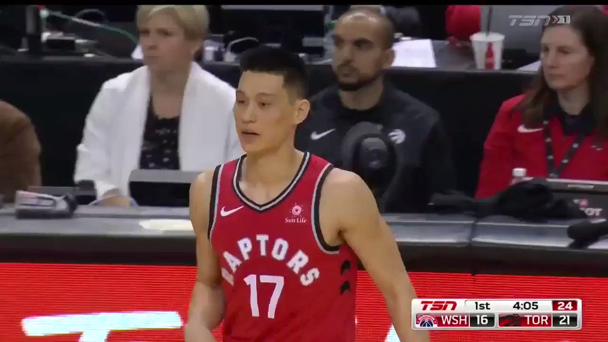 a659f5e0ac16 Jeremy Lin gets a standing ovation as he checks into the game for the first  time as a member of the Toronto Raptors.