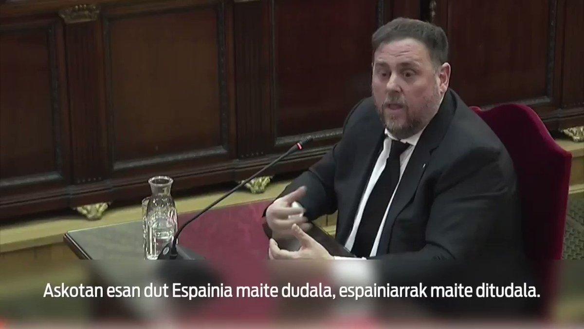 """""""Bozkatzea ez da delitua. Indarrez hori eragoztea, bai"""", esan du Oriol Junqueras Kataluniako Generalitateko presidenteorde ohiak. Bere deklarazioaren laburpena hemen:"""