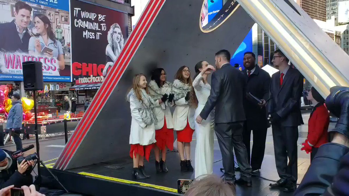 In celebration of love, couples tie the knot on Duffy Square with this year's Valentine Heart sculpture 'X' as a beautiful backdrop. Learn more about today's #ValentinesDay events in Times Square at http://bit.ly/2mX2lhm. #LoveTimesSquare