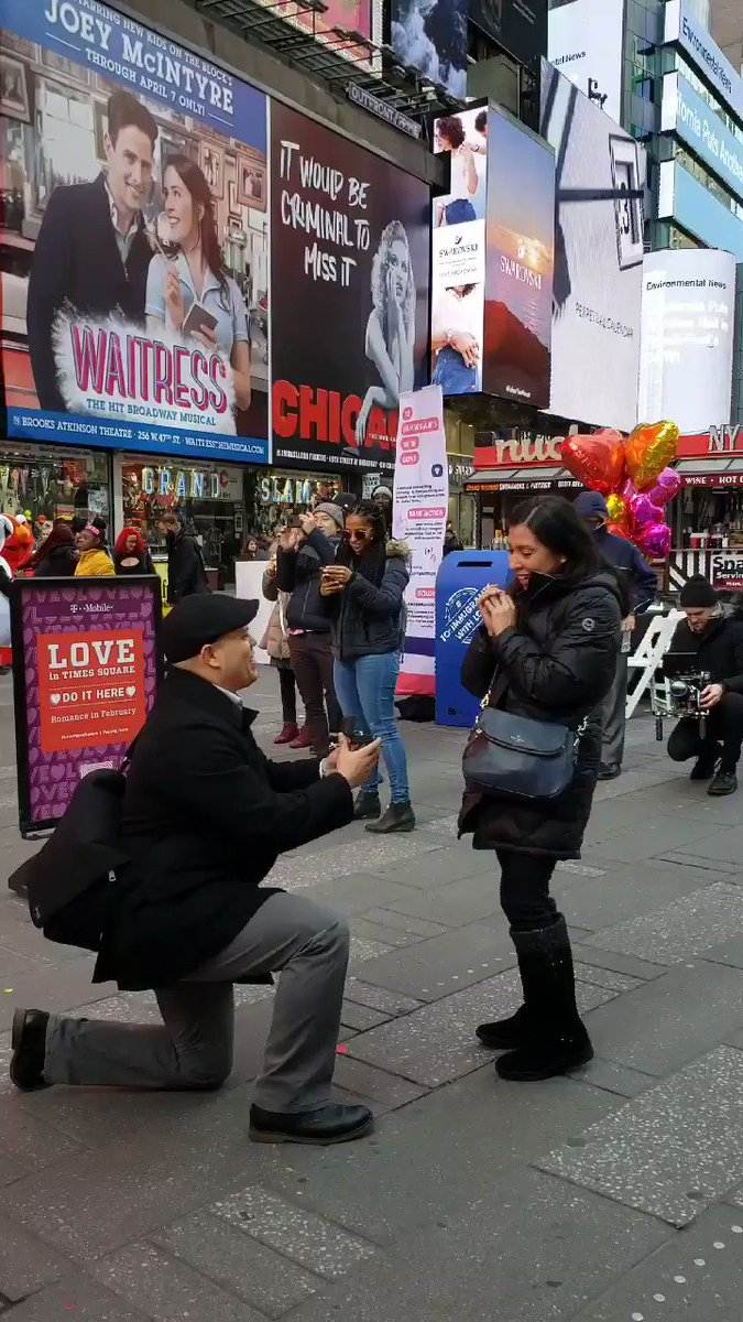 Congratulations Oscar & Elisa! Happy #ValentinesDay from #TimesSquare!
