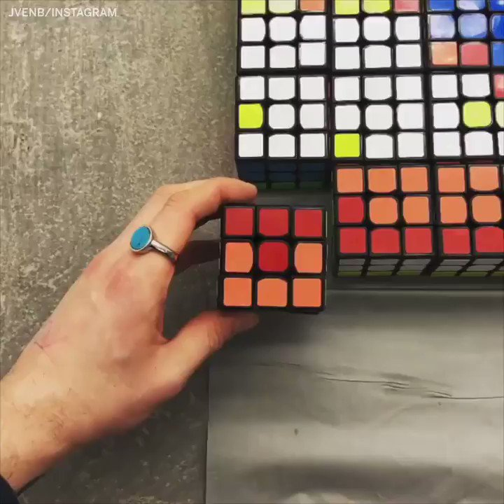 Lebron's face made from rubik's cubes 🤯