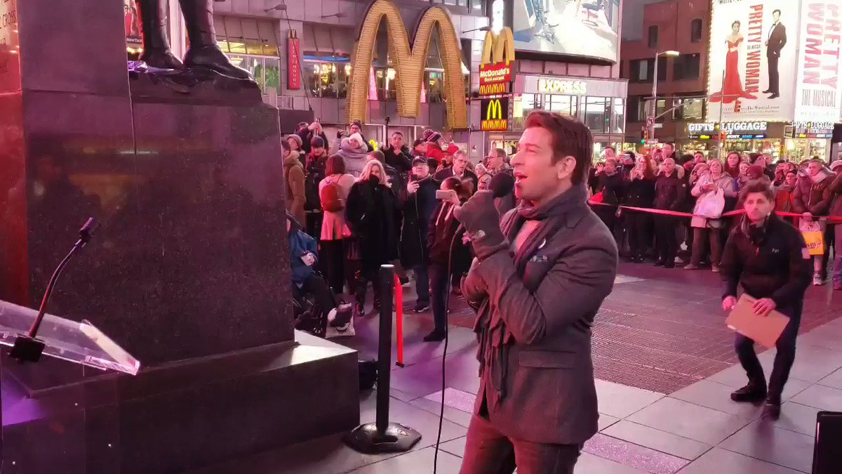 We are so excited to have @Andy_Karl from @PrettyWoman perform for us at #TimesSquare's annual vow renewal on the iconic red steps. #lovetimessquare #ValentinesDay