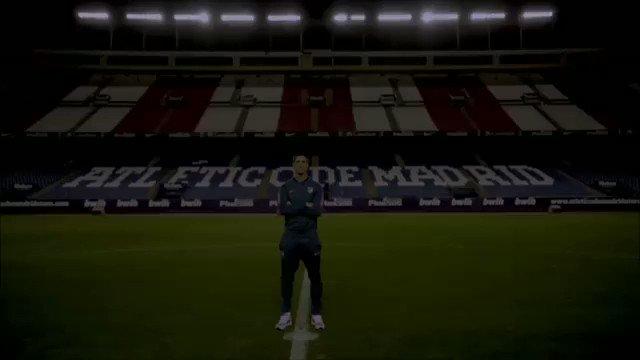 """Ayer @Torres nos recordó que, el domingo 17, día que se estrena """"Un Césped de 100 Años"""" 🔥Recordar🔥 a las 13:20 h, en @la2 . Una nueva y emocionante creación de @Los50Atleti y @tenoriopop #Césped100Años #Atleti #CRYB #atléticodemadrid 🔴⚪️🔴⚪️. . 🔥NECESARIA CREACIÓN 😉🔥"""