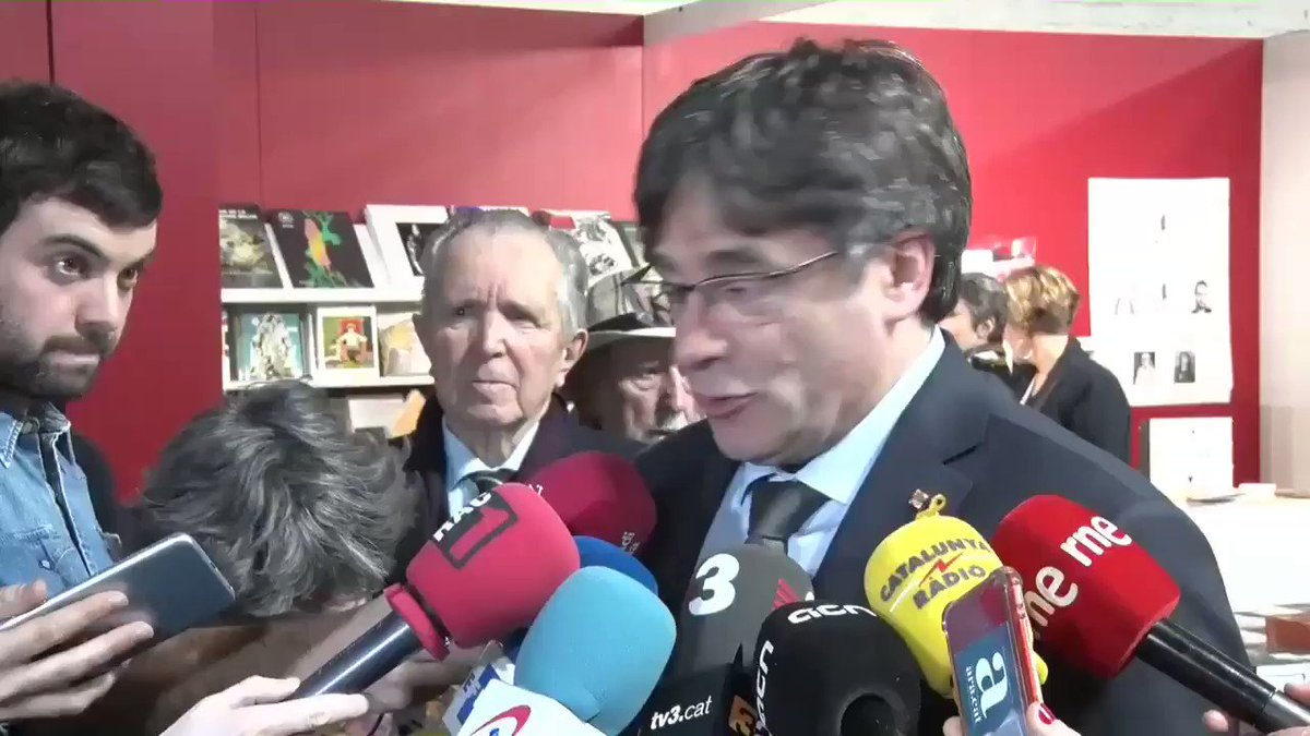 Carles Puigdemont's photo on Tajani