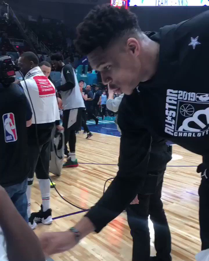 """""""You look like an all-star!""""  Following #NBAAllStarPractice Presented by AT&T, #TeamGiannis captain @Giannis_An34 gifted his practice jersey! #ThisIsWhyWePlay"""