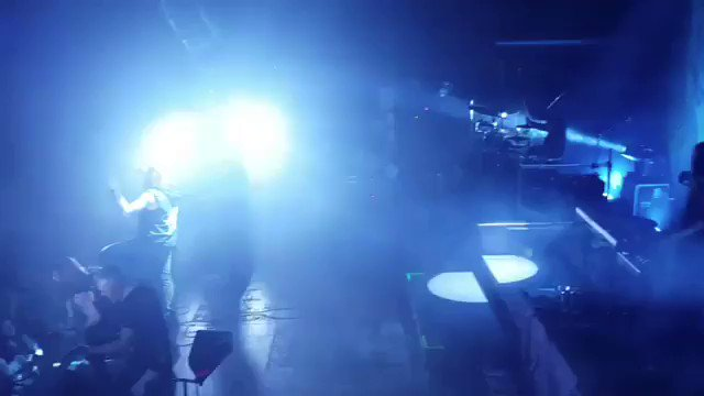 Our brothers from @Soilwork nailing sold out #Z7! Final show for this tour🇨🇭 #amorphis #queenoftimetour #queenoftimetour2019 #soilwork #jinjer #nailedtoobscurity #greybeardcm #cobraagency https://t.co/eoqQaBC14o