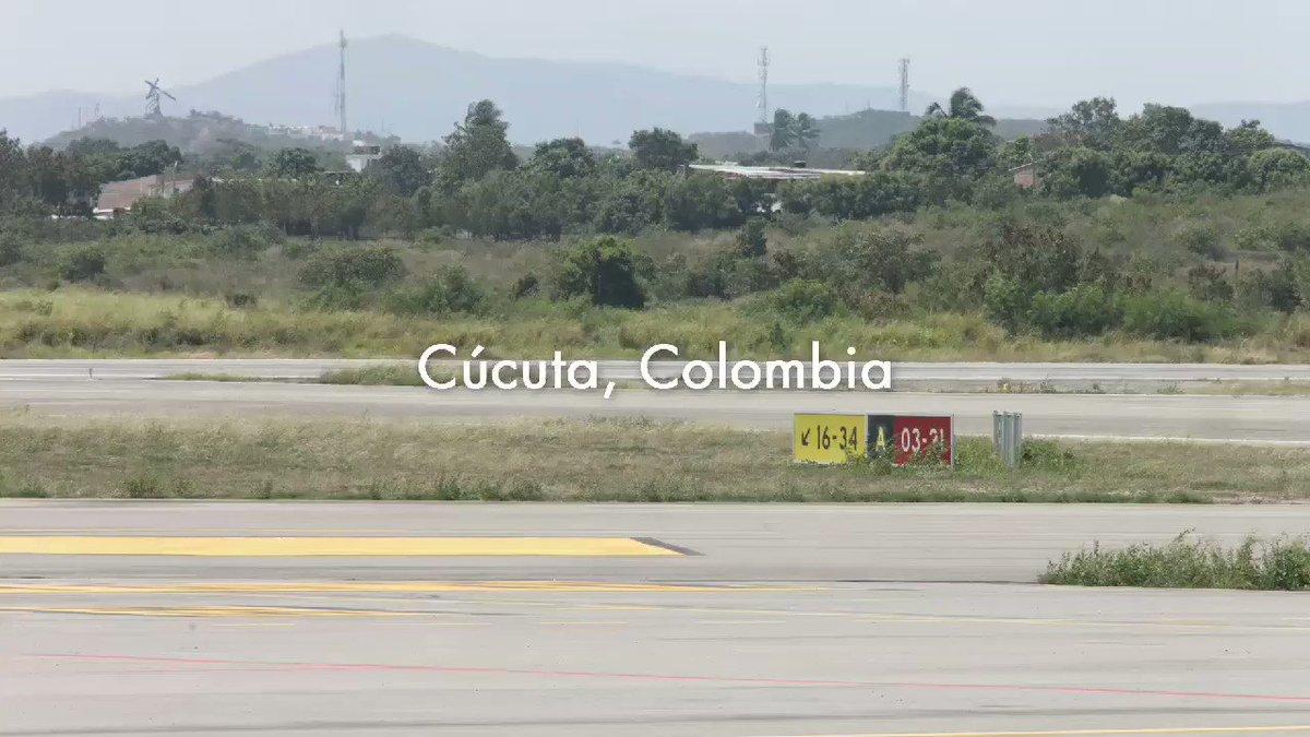 Lo que ocurrió hoy es algo sin precedentes, y que nos recuerda que la solidaridad no tiene fronteras. A la #AvalanchaHumanitaria se suman 3 aviones estadounidenses que pudimos acompañar hasta Cúcuta con insumos médicos y comida para los venezolanos. ¡Gracias! #VamosBien